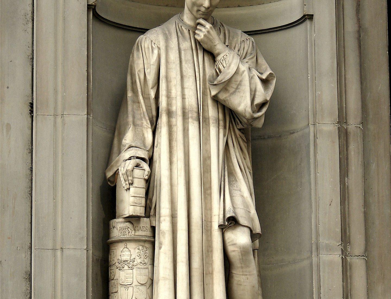 Statua di Niccolò Machiavelli